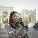 Paralizia corzilor vocale, afectiunea care te poate lasa fara voce